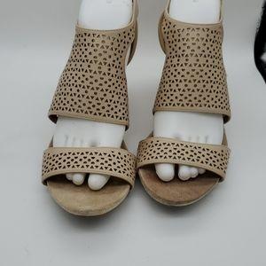 Jones New York sz 9.5 nude sandels